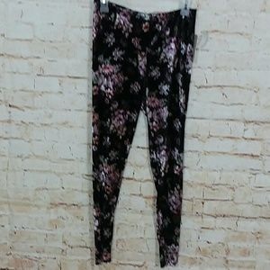 No Comment | Floral leggings skinny ankle pant.